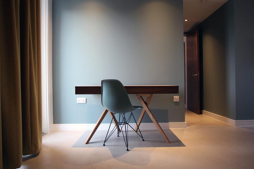 Hop Art Apartments-Desk