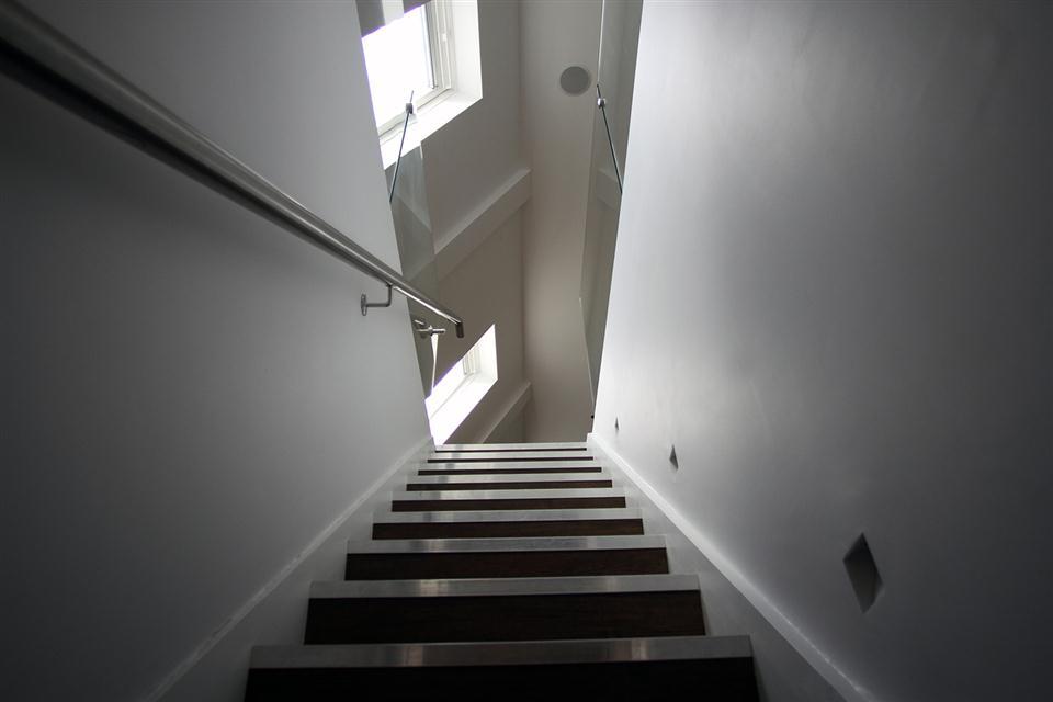 Hop Art Apartments-Stair