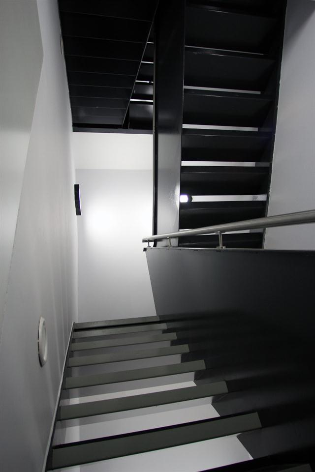 Hop Art Apartments-Stair