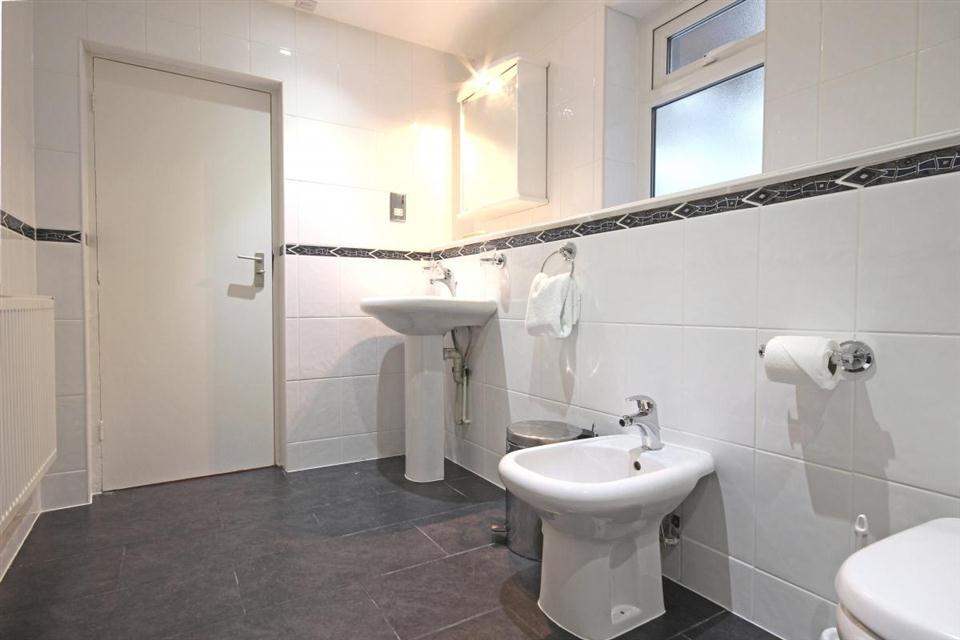 Hertford Street-Bathroom