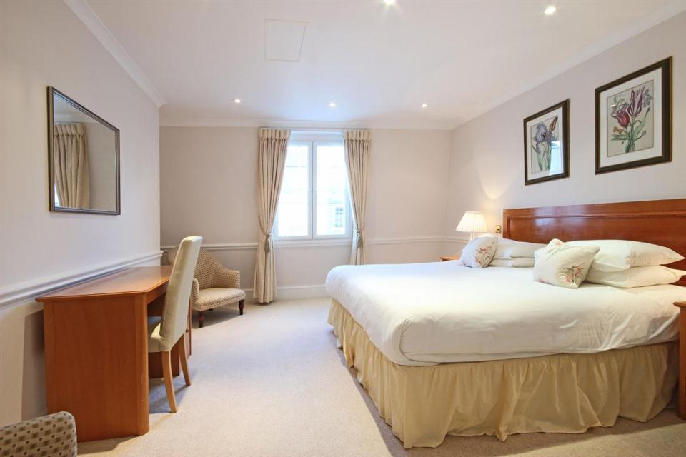 Hertford Street-Bedroom