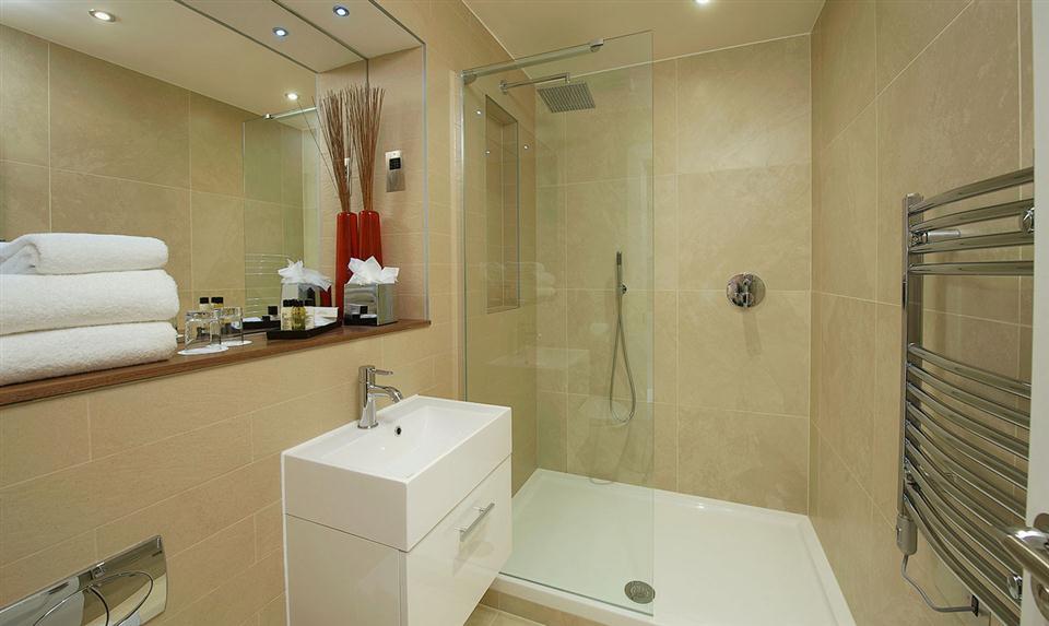 Canary Wharf Bathroom