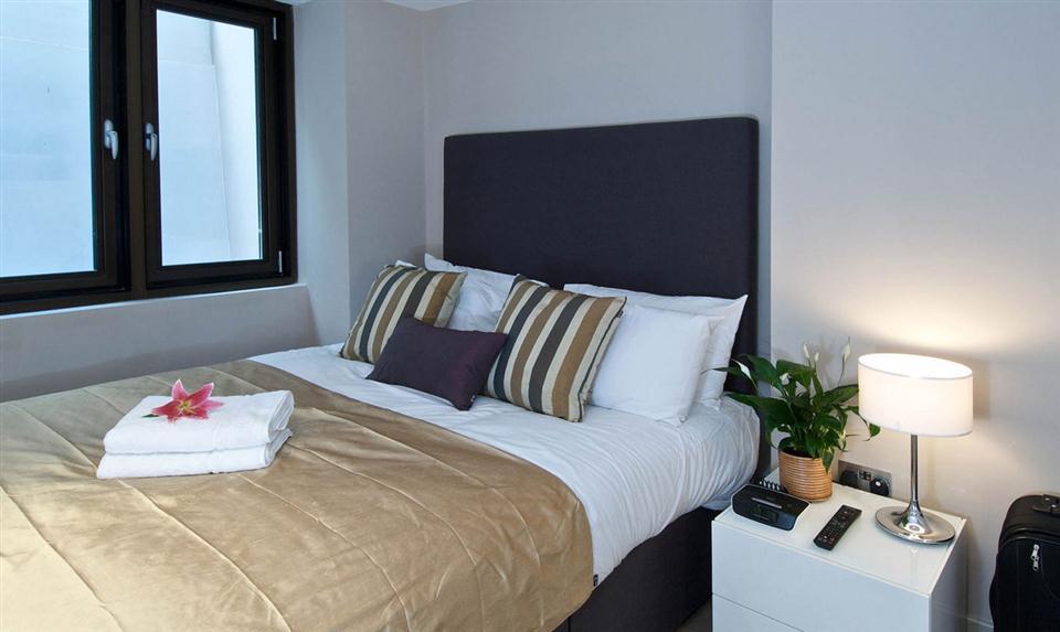 Blackfriars Bedroom 2