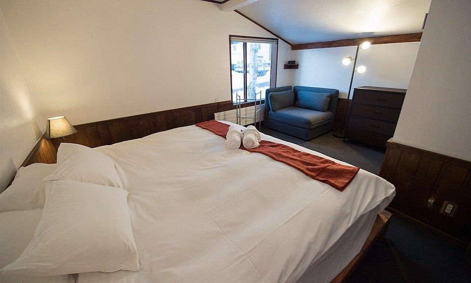 Niseko Accommodation Lodge 401 6