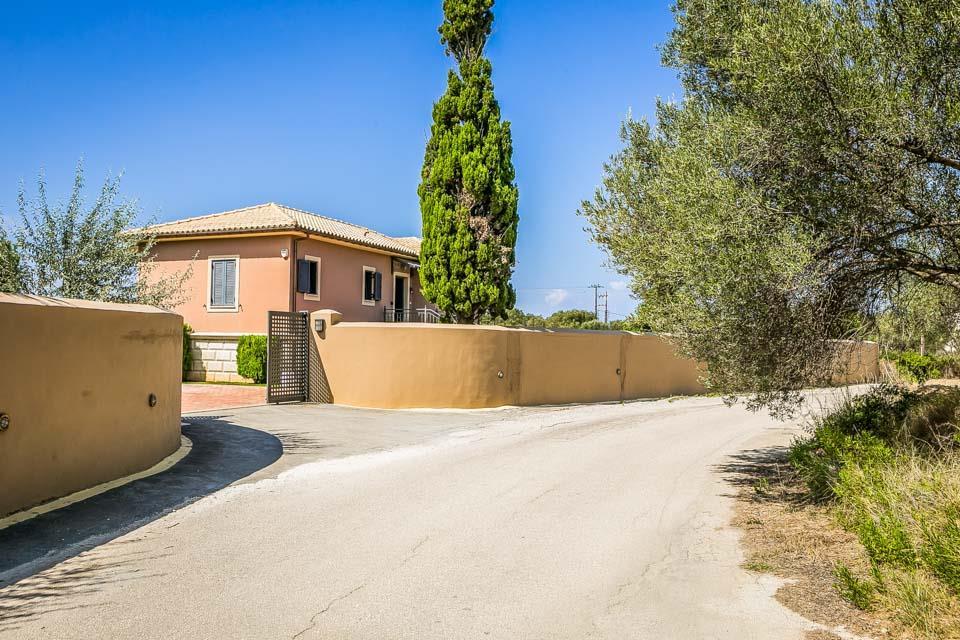 Villa Regalaki
