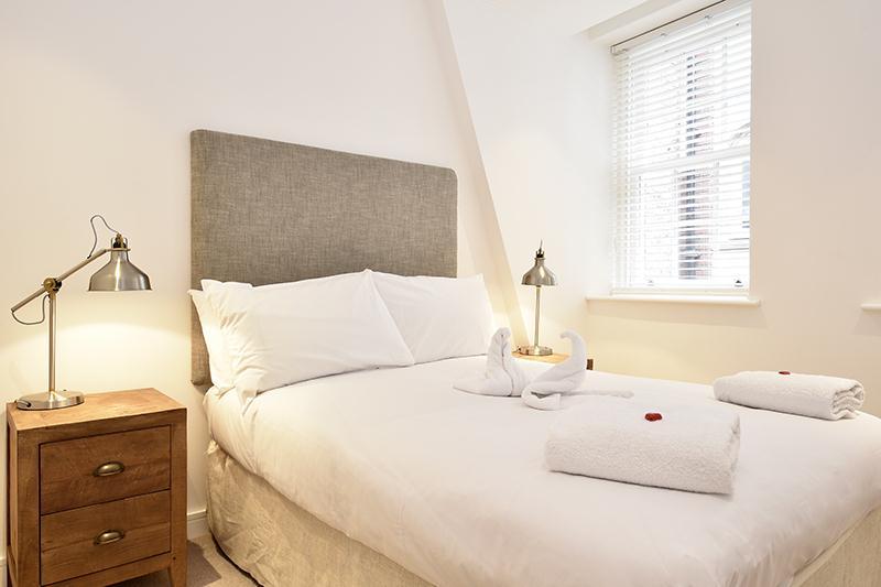 Monument Executive Bedroom