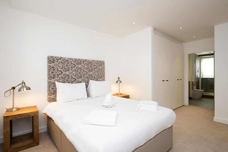 Monument Executive Bedroom 2