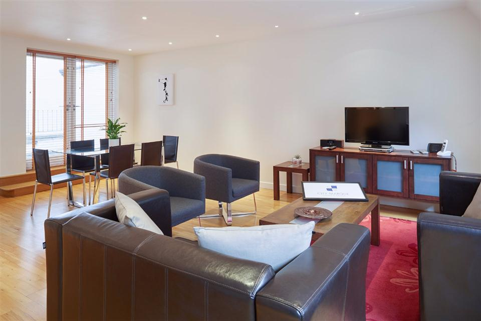 Tower Hill Three Bedroom Penthouse Apartment