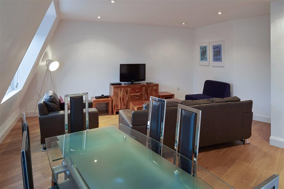 Vauxhall Living and Dining Area