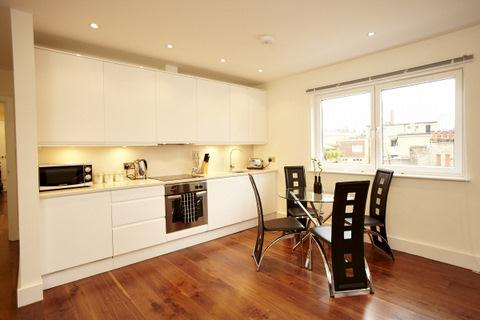 Grosvenor Kitchen and Dining Area