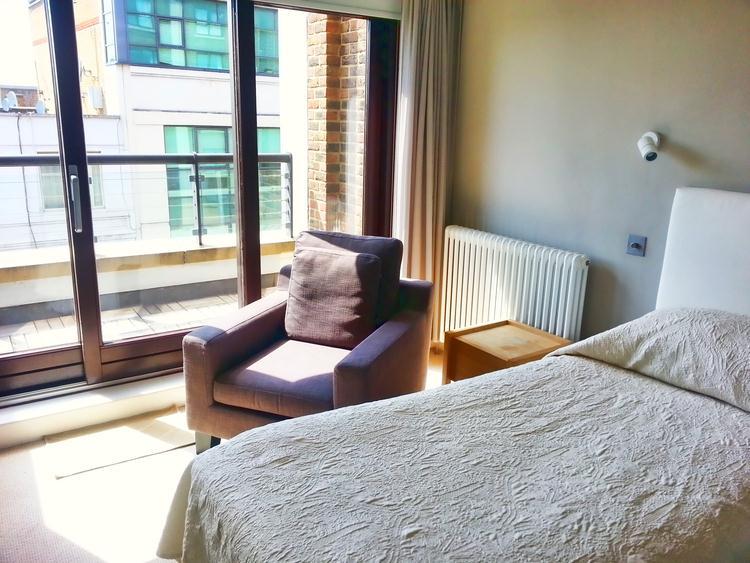 Monarch House - Bedroom