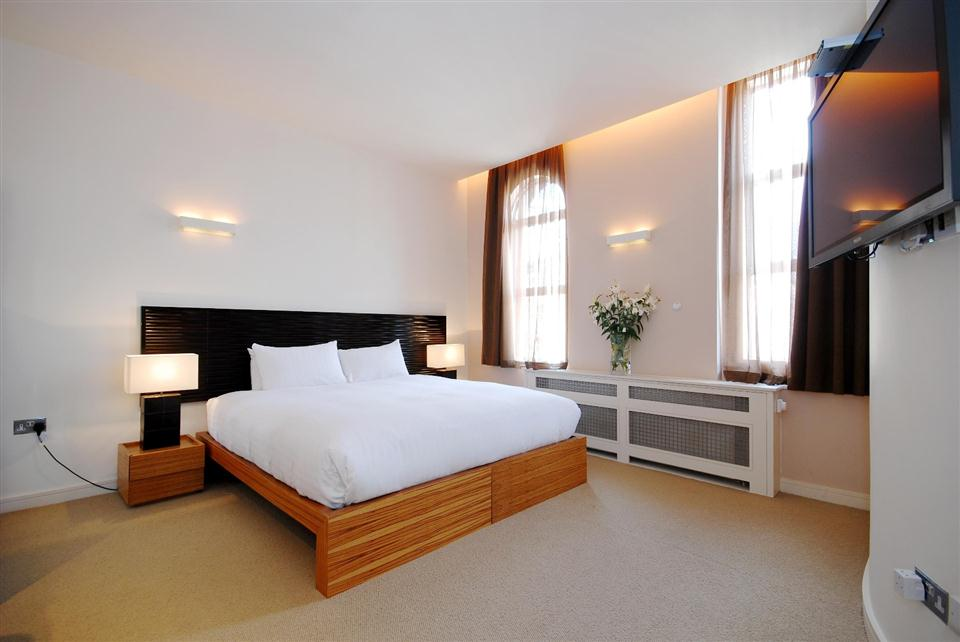 1 Harrington Gardens - Bedroom