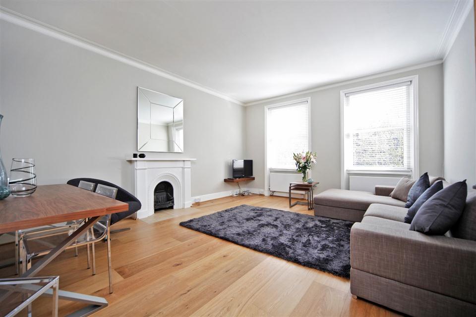 1 Southwell Gardens - Living room