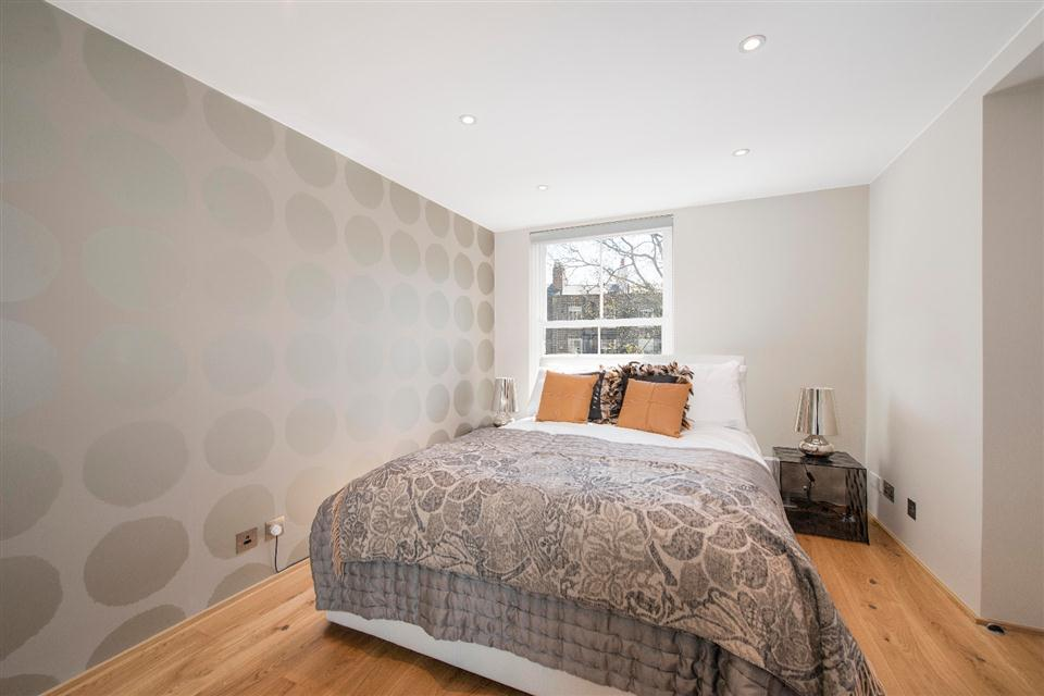 3 Harrington Gardens - Bedroom