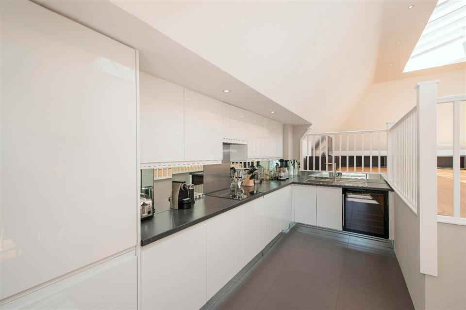 3 Harrington Gardens - Kitchen