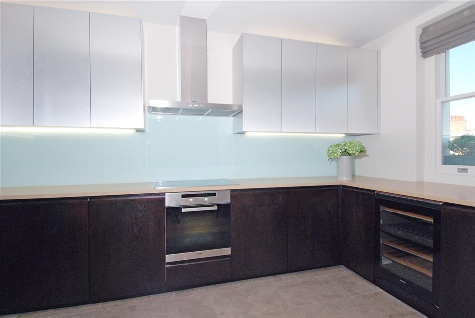 4 Cornwall Gardens - Kitchen