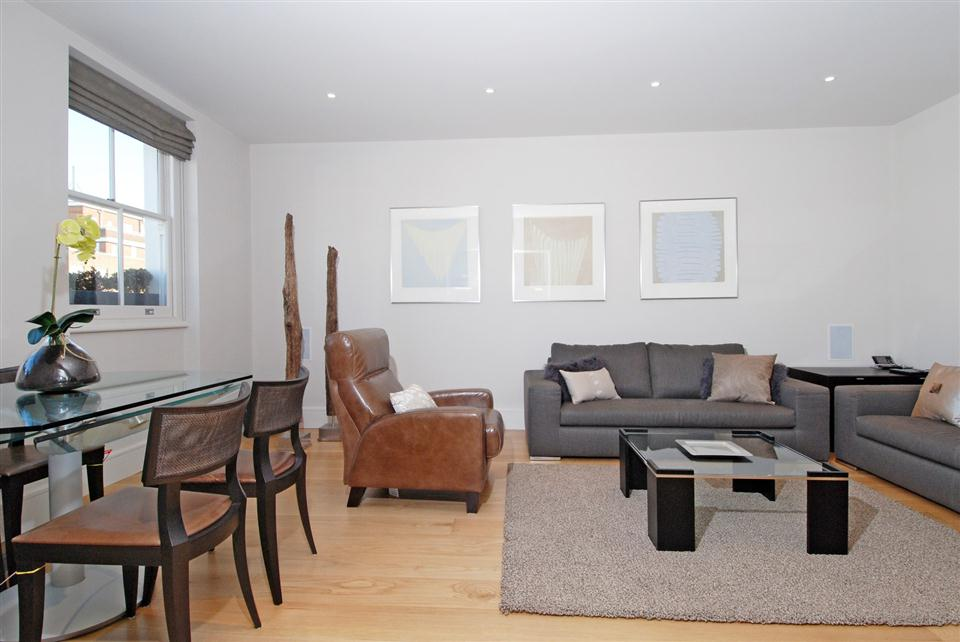 4 Cornwall Gardens - Living room