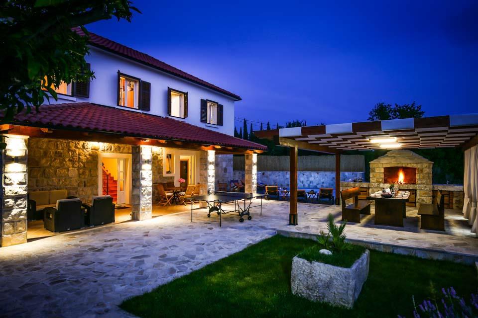 Nikos Country House