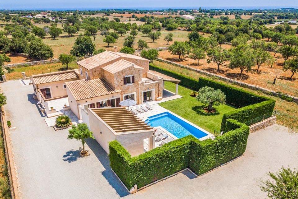 Villa Pines