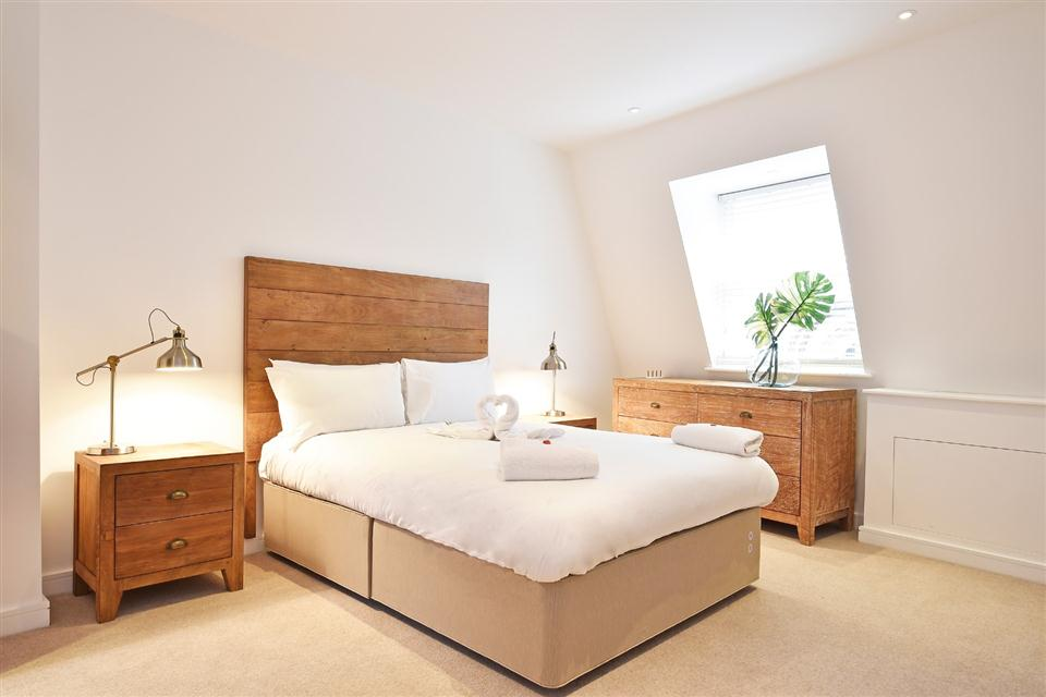 Monument Serviced Apartments Bedroom