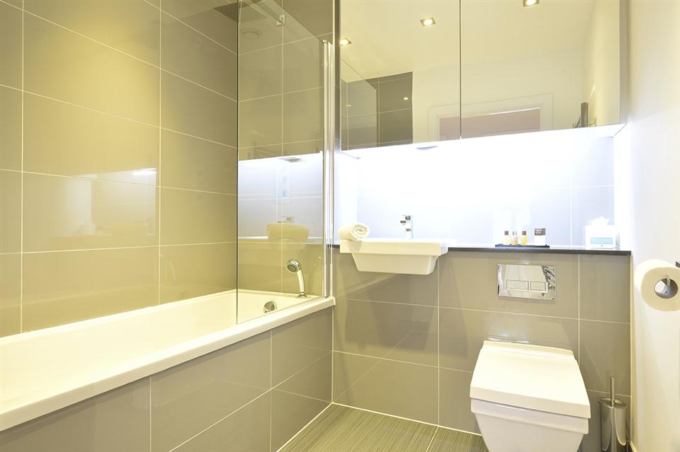 Spitalfields Apartment Bathroom