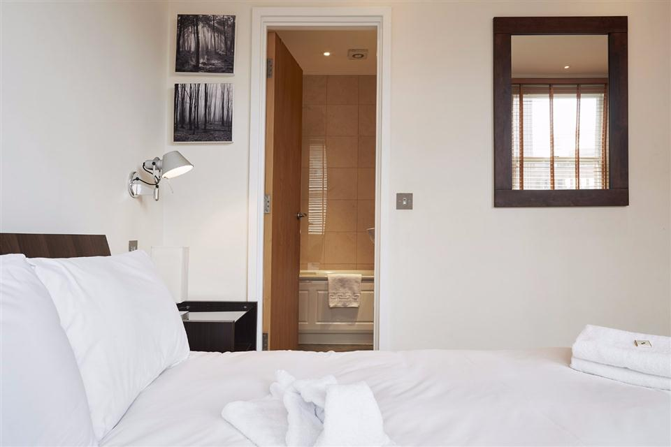 Tower Hill Serviced Apartment Bedroom