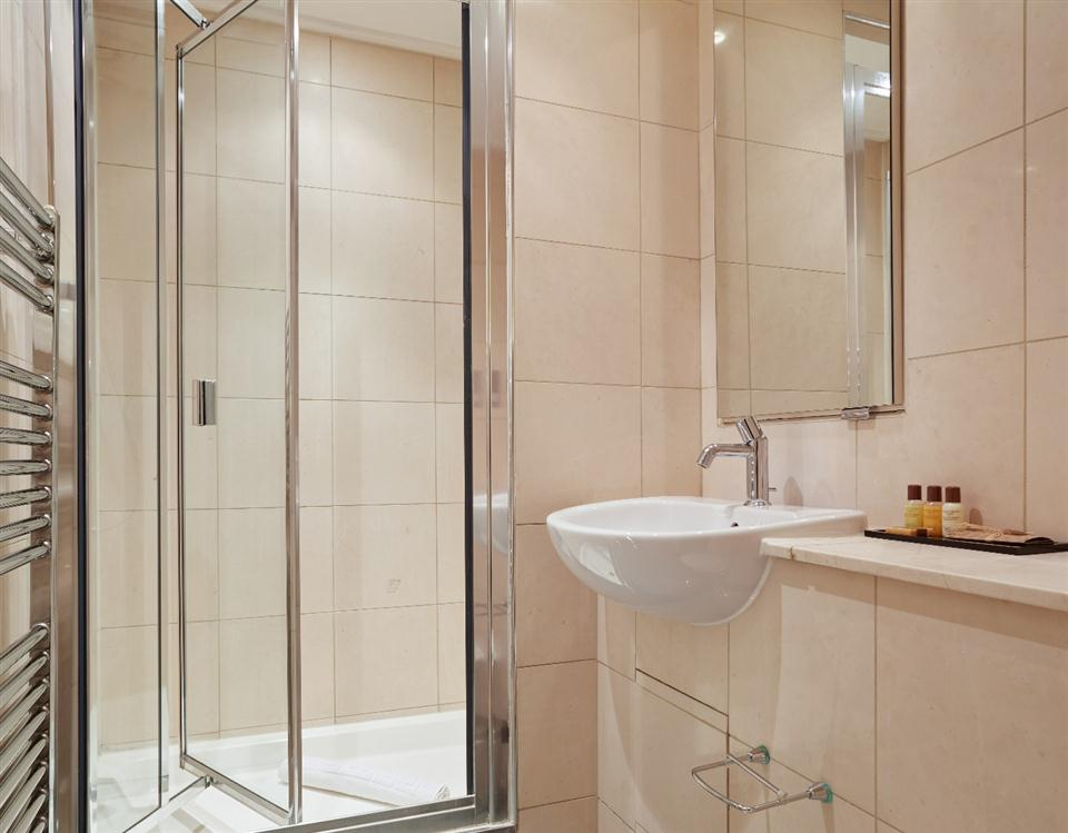 Tower Hill Serviced Apartment Bathroom