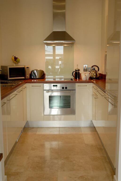 Premier Apartments Dublin Sandyford Kitchen