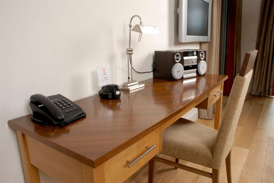 Premier Apartments Dublin Sandyford Work Desk