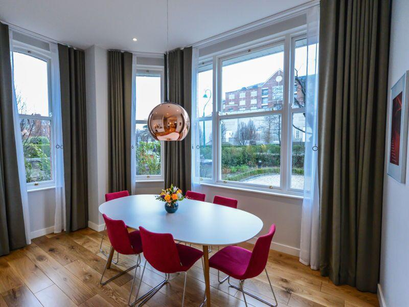 Premier Suites Dublin Ballsbridge Dining Area