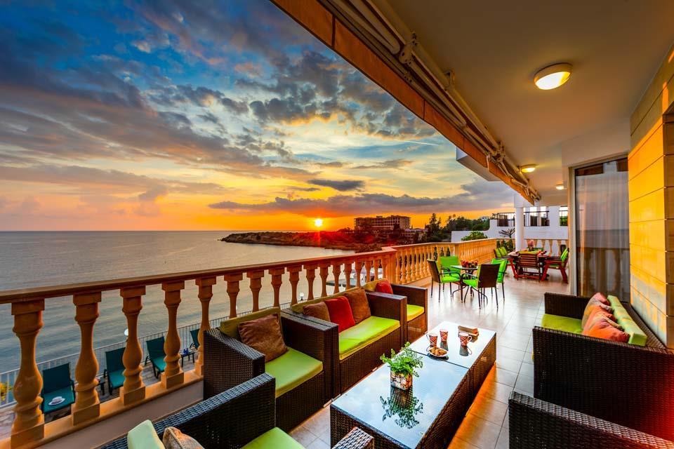 Katina Beach Villa