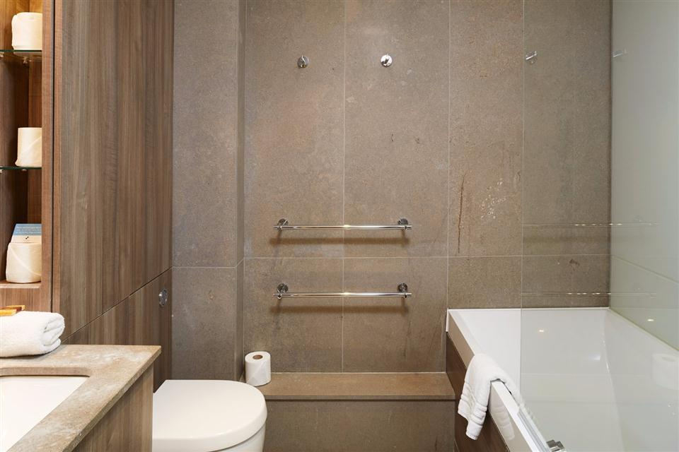 Albert Serviced Apartments Bathroom