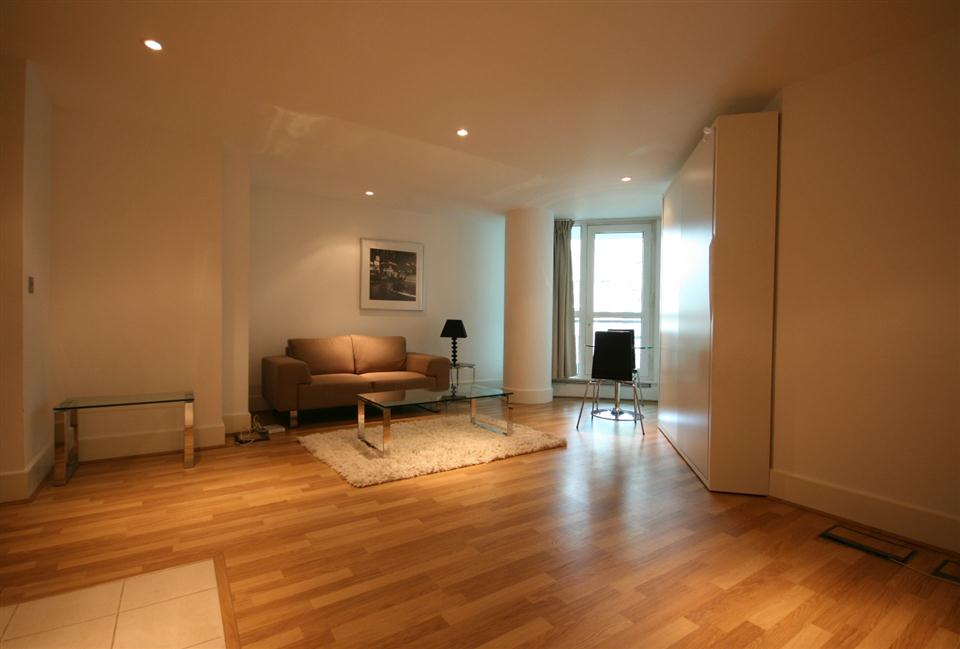 Thames View Serviced Apartment Studio Apartment