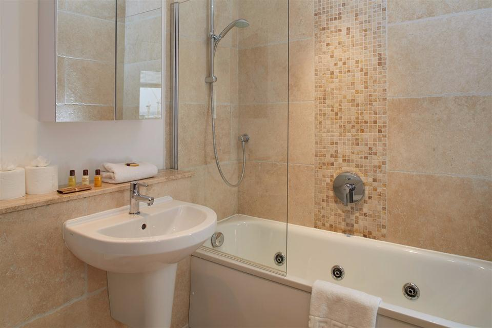 Vauxhall Serviced Apartments Bathroom