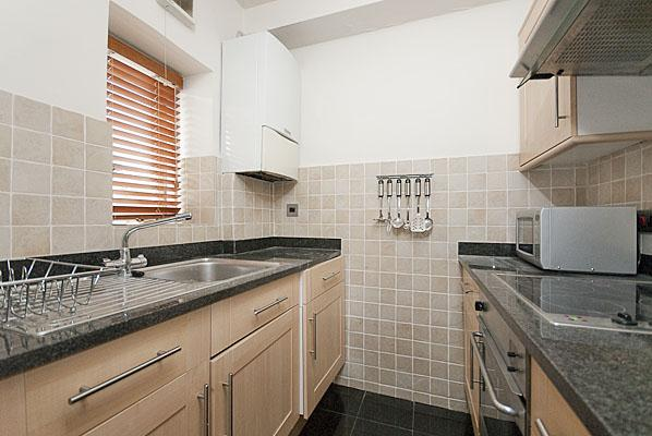 Chesham Court One Bedroom Superior Apartment - Kitchen