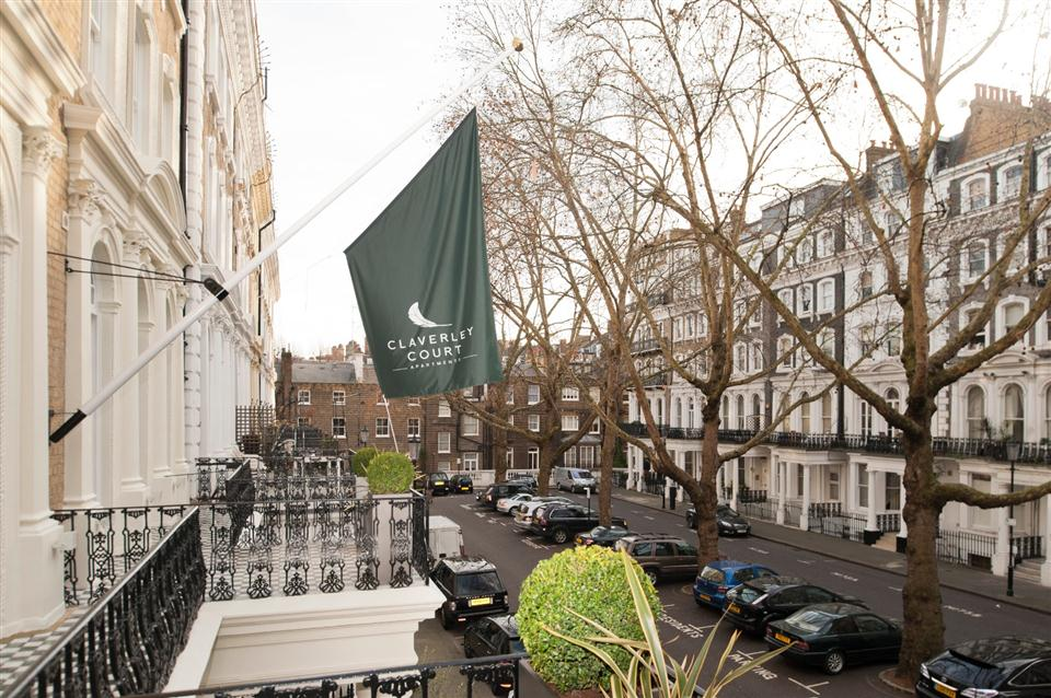 Claverley Court Three Bedroom Knightsbridge Suite - Balcony