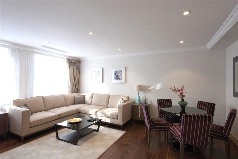 Claverley Court Two Bedroom Executive Apartment - Living and Dining Room