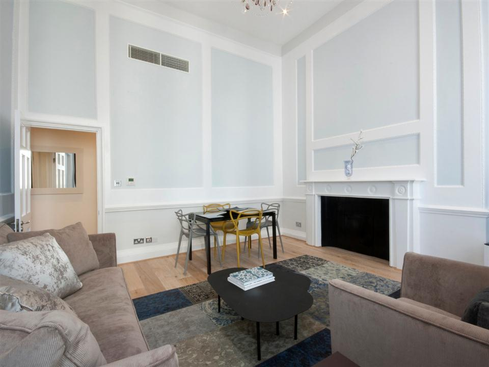 17 Hertford Street One Bedroom Deluxe Apartment - Living Room