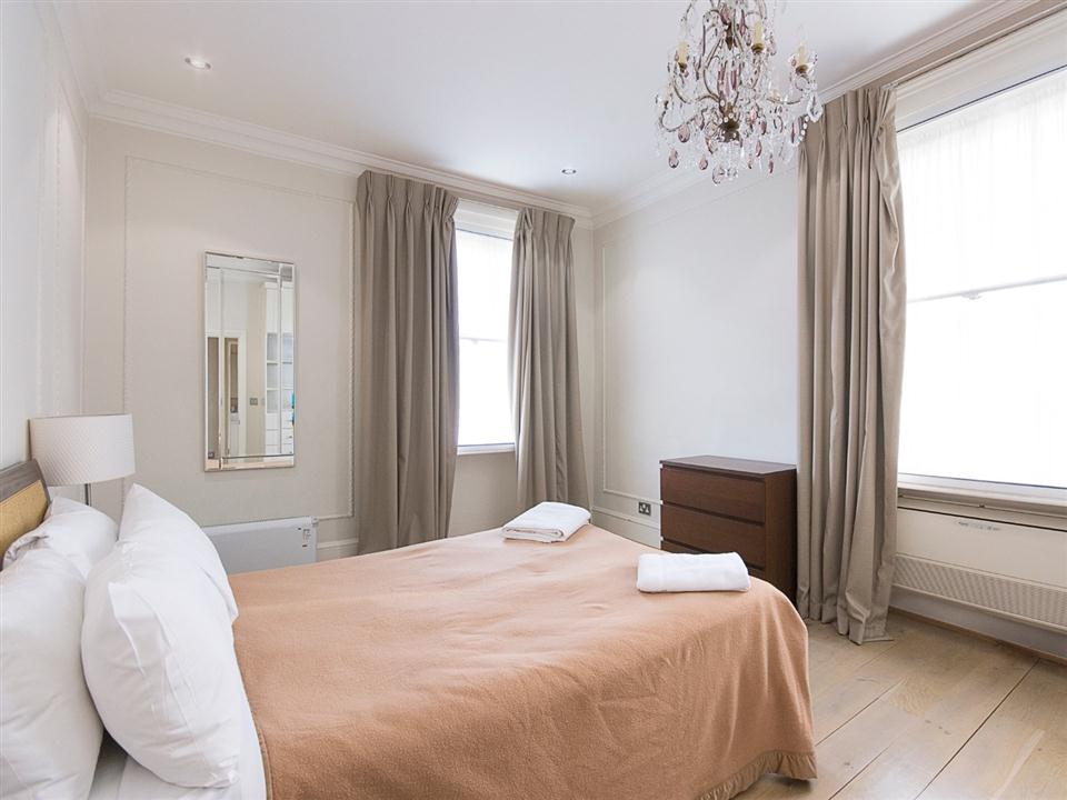 17 Hertford Street One Bedroom Standard Apartment - Bedroom