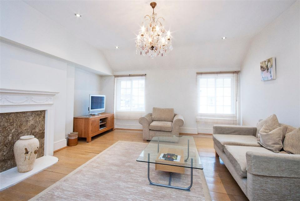 17 Hertford Street One Bedroom Standard Apartment - Living Room