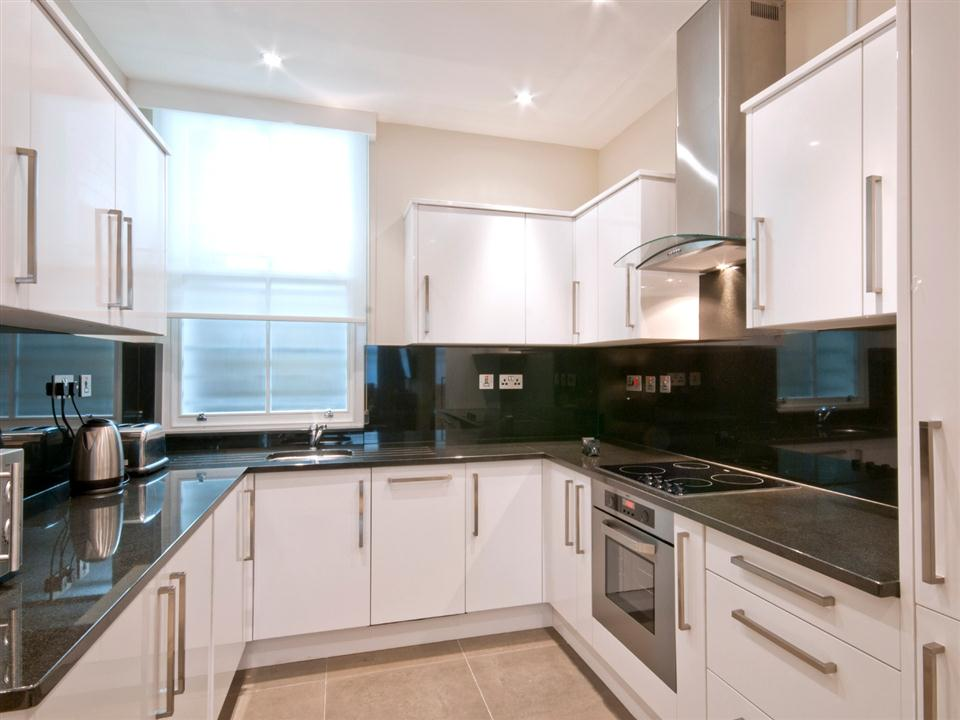 20 Hertford Street One Bedroom Apartment - Kitchen