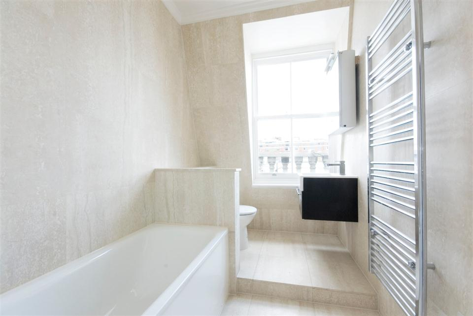 20 Hertford Street Two Bedroom Apartment - Bathroom