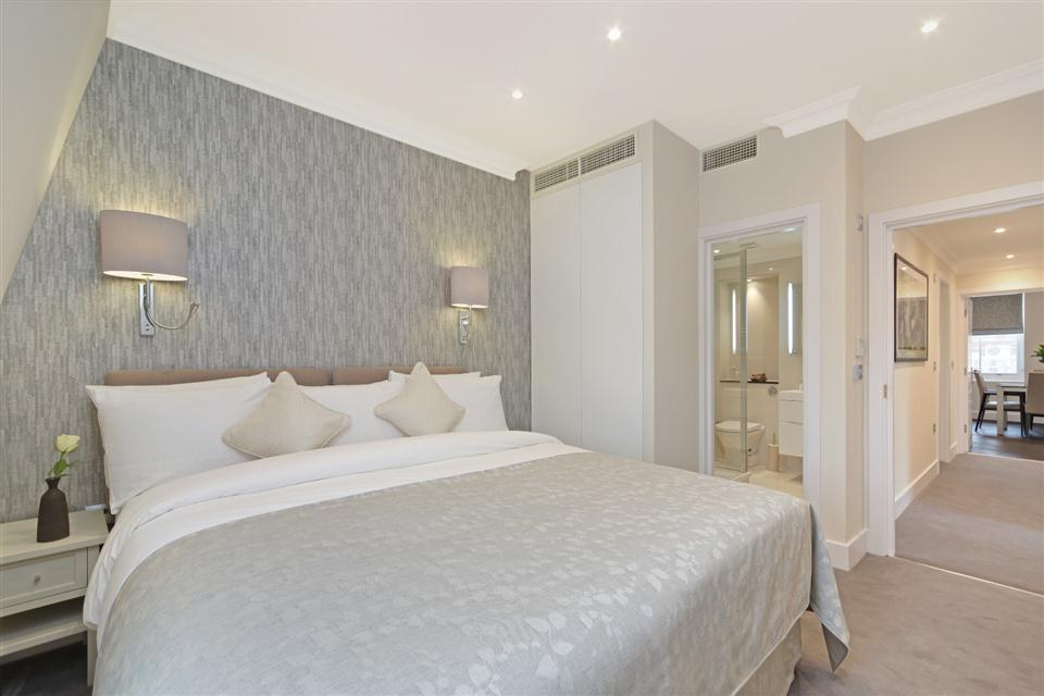 20 Hertford Street Three Bedroom Hertford Suite - Master Bedroom