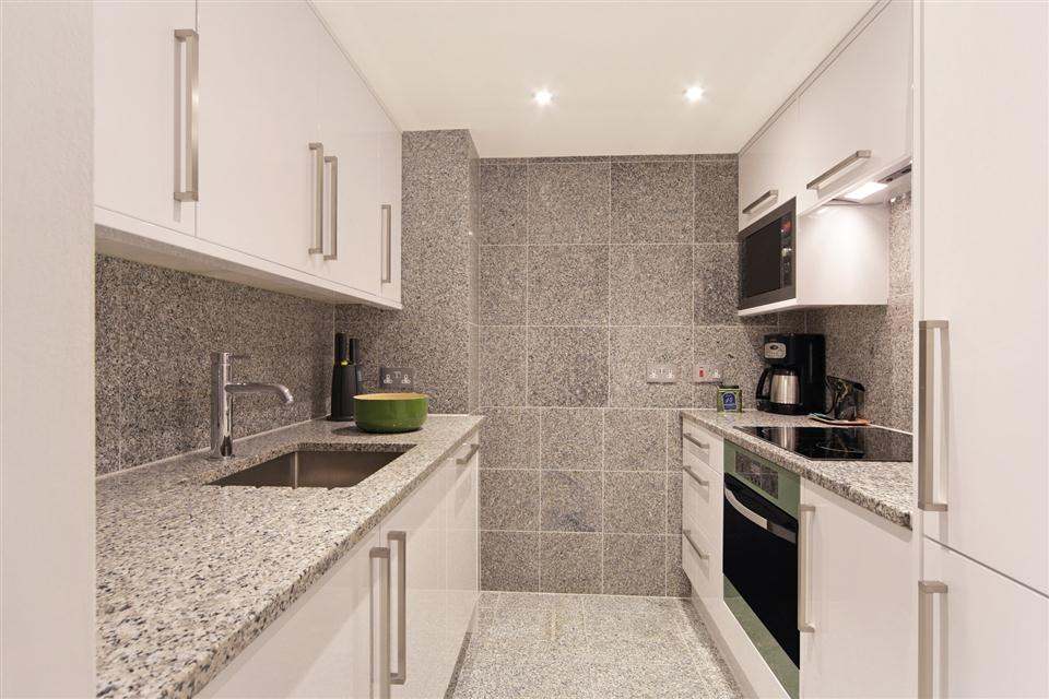 Mayfair House Third Floor Deluxe One Bedroom Apartment - Kitchen