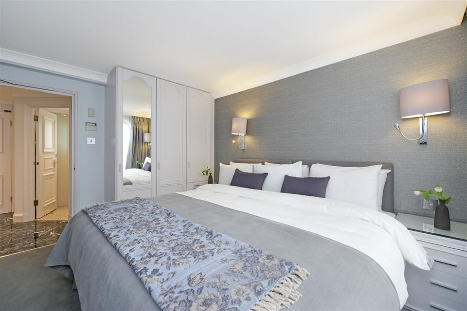 Mayfair House Third Floor Superior One Bedroom Apartment - Bedroom