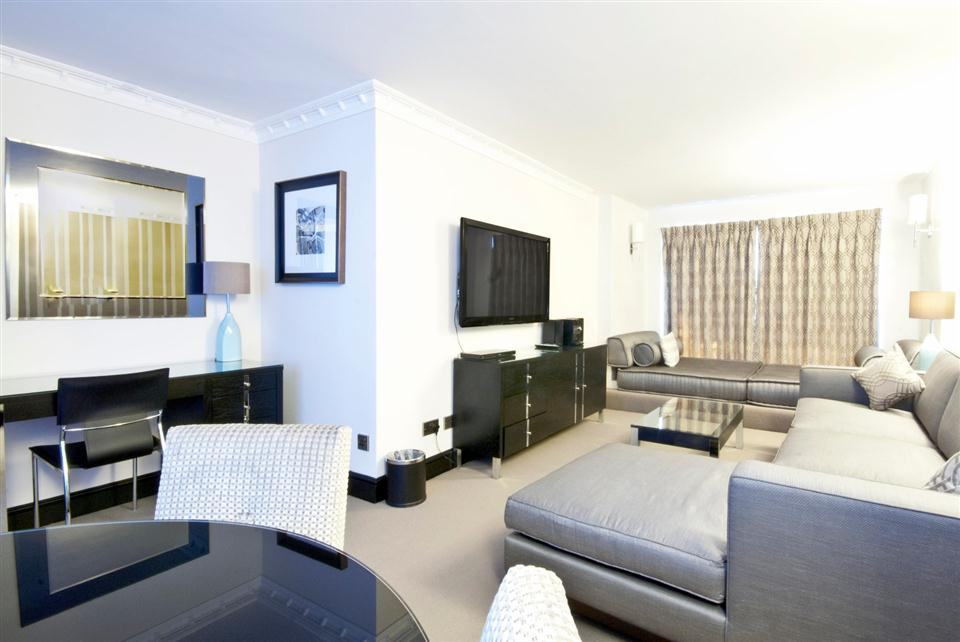 Mayfair House Executive One Bedroom Apartment - Living Room