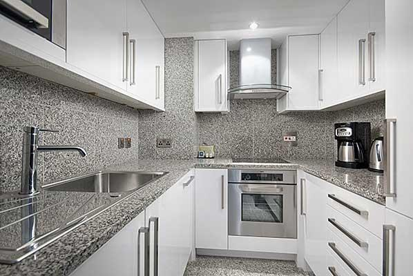Mayfair House Standard One Bedroom Apartment - Kitchen