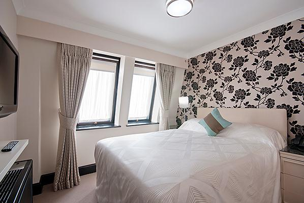 Mayfair House Standard One Bedroom Apartment - Bedroom