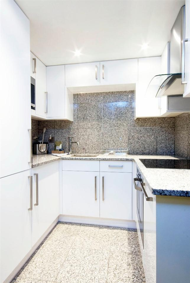 Mayfair House Superior One Bedroom Apartment - Kitchen
