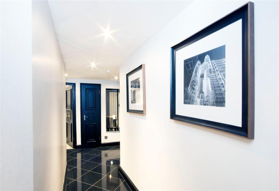 Mayfair House Executive Two Bedroom Apartment - Corridor